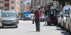 Çalınan aracını sokak sokak arıyor