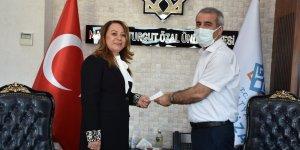Rektör Karabulut'un kurban vekaleti Kızılay'a