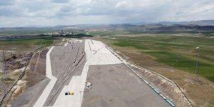 Bakü-Tiflis-Kars Demir Yolu'nu kullanacak trenlerin gümrükleme işlemi Kars Lojistik Merkezi'nde yapılacak