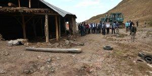 Van Valisi ve Belediye Başkanvekili Bilmez, sel bölgesine incelemelerde bulundu