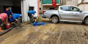 Ardahan'dan sel bölgesi Arhavi'ye uzanan yardım eli