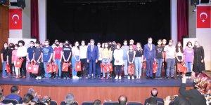 LGS ilk 100'e giren öğrenciler ödüllendirildi