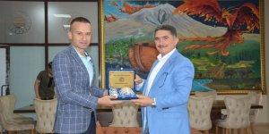 AK Parti Ağrı Milletvekili Çelebi, yeni öğretmenevini ziyaret etti