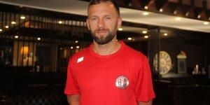 """Hakan Özmert: """"Antalyaspor forması altında futbolu bırakmak istiyorum"""""""