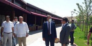 BEÜ Rektörü Elmastaş, 1071 Sultan Alparslan Ahlat Otağındaki çalışmaları inceledi