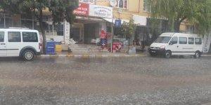 Arguvan'da dolu ve yağmur etkili oldu