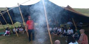 Türkiye'nin cennet merkezi Balık Gölü'nde öğrenciler izci kampı kurdu