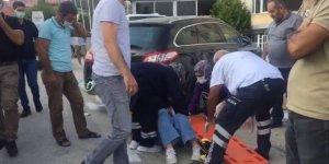 Yolun karşısına geçmek isteyen kadınlara araç çarptı: 3 yaralı