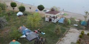 Van Gölü Aktivistleri Derneği üyeleri Tatvan'da kamp kurdu