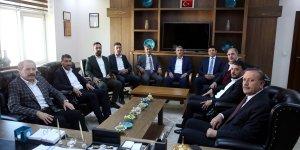 Memur-Sen Genel Başkanı Yalçın, Bitlis'te Genişletilmiş İl Divan Toplantısı'nda konuştu: