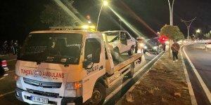 Tunceli'de domuz sürüsünün neden olduğu zincirleme kazada 2 kişi yaralandı
