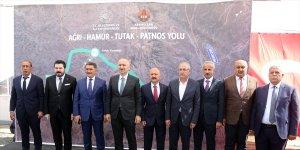 Bakan Adil Karaismailoğlu, Ağrı-Hamur-Tutak-Patnos yolundaki çalışmaları inceledi: