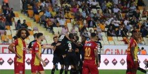 Taraftarlardan Yeni Malatyaspor'un kötü gidişatına tepki