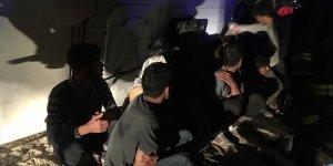 Van'da düzensiz göçmenleri taşıyan minibüs devrildi: 9 yaralı