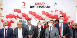 AİÇÜ'de Kızılay giyim mağazası açıldı