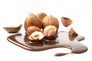 Çikolata Lekesi Nasıl Çıkar
