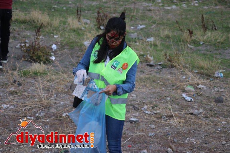 Gönüllüler farkındalık için temizlik yaptı - AĞRI6
