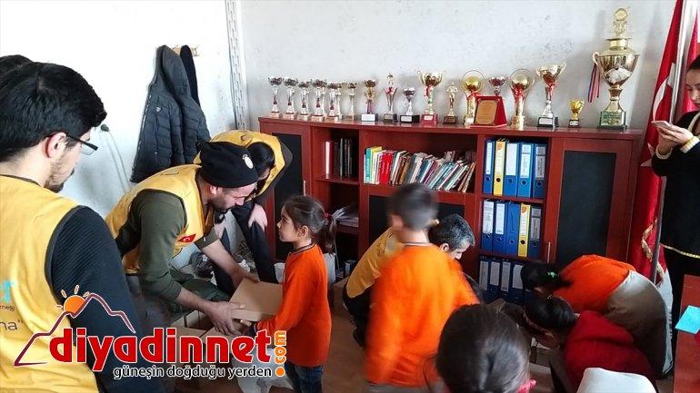Ağrı ve Ardahan'da öğrencileri ısıtan yardım