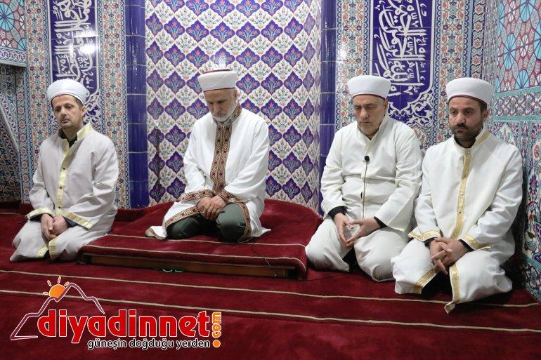 camilerde dua edildi2