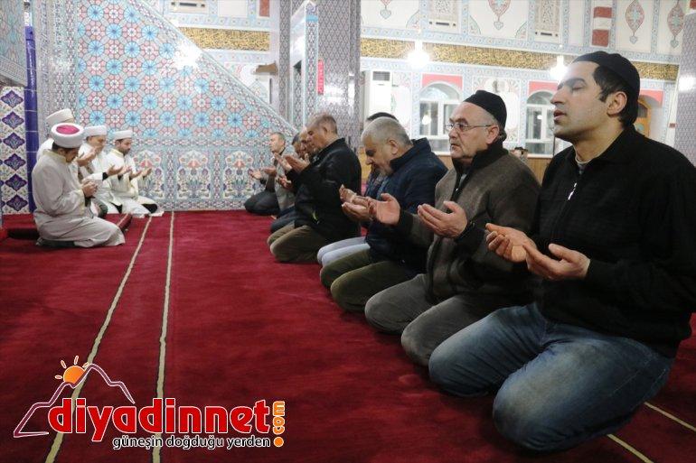 camilerde dua edildi4