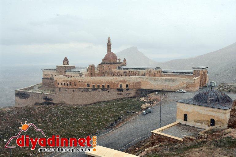 ziyarete kapsamında koronavirüs Paşa tedbirleri İshak Sarayı kapatıldı 1