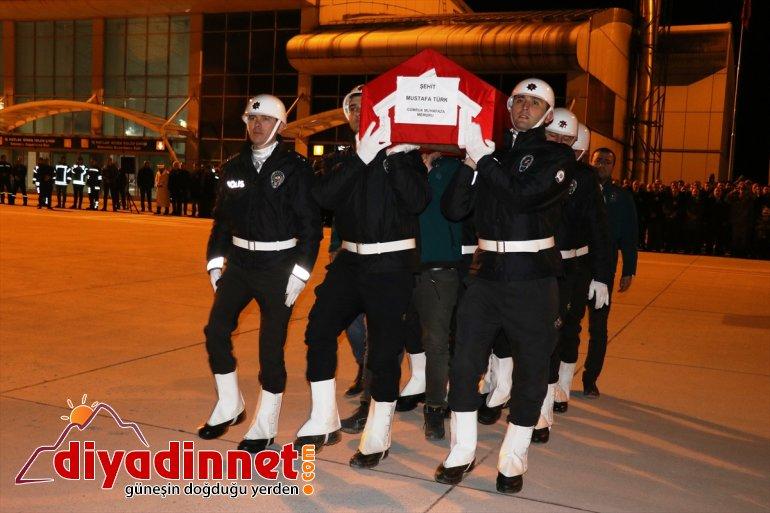 memleketi şehit gümrük Ağrı'da personeli Şanlıurfa'ya uğurlandı olan  6