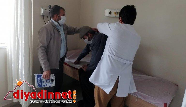 """Tutak'ta hastanın yardımına """"Vefa Sosyal Destek Grubu"""" koştu"""