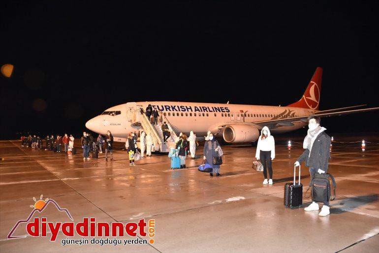 yurtlara Kars'taki Türk vatandaşı 115 yerleştirildi İrlanda'dan getirilen 3