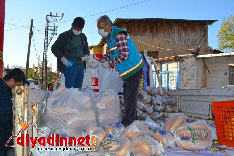 ekmek ücretsiz Darende'de vatandaşlara bin dağıtıldı 21 5