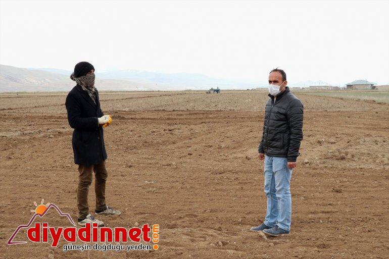 Van'da tarımsal üretimde aksamanın yaşanmaması için çiftçiler bilgilendiriliyor