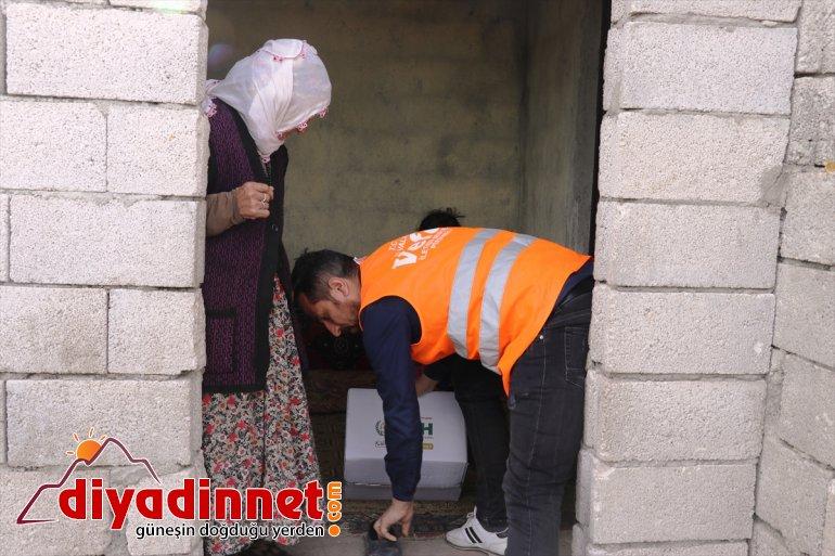 Ağrı'da yardım ediyor ekipleri vatandaşlara devam vefa dernekleriyle ulaşmaya 7