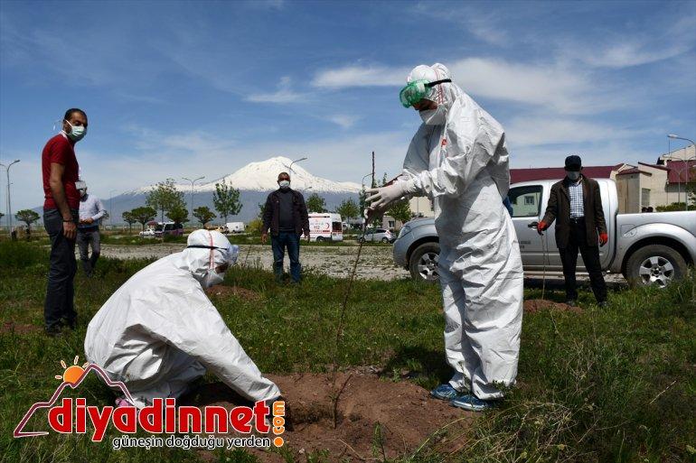 """Ağrı'da başarılı pandemi ekibine """"41 kere maşallah"""" sürprizi"""