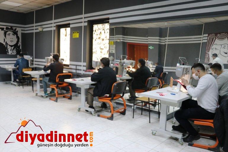 Ağrı Ayakkabı Sitesi'nde çalışacak işçiler iş başı eğitimi alıyor