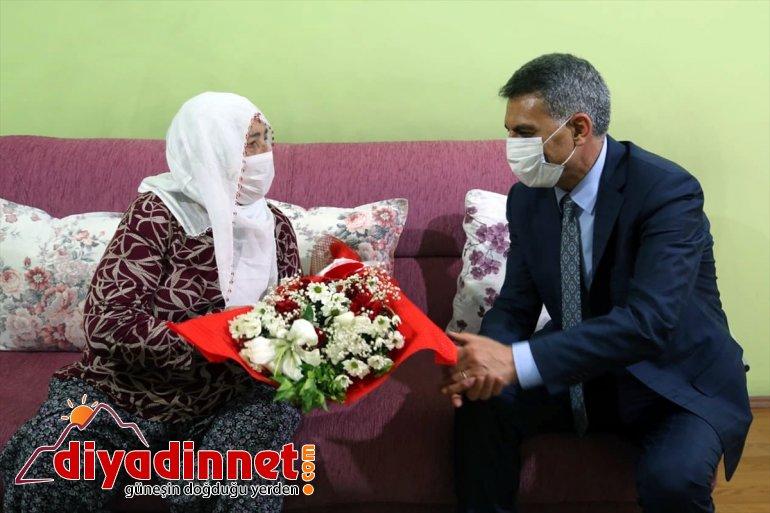 şehit Tunceli Özkan, ziyaretini ailesine yaptı ilk Valisi 2