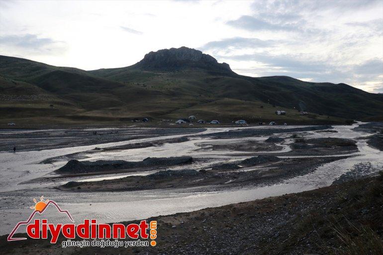 Ağrı'da koyun yakın zarar köylerin gördüğü oldu 100'e telef selde 7
