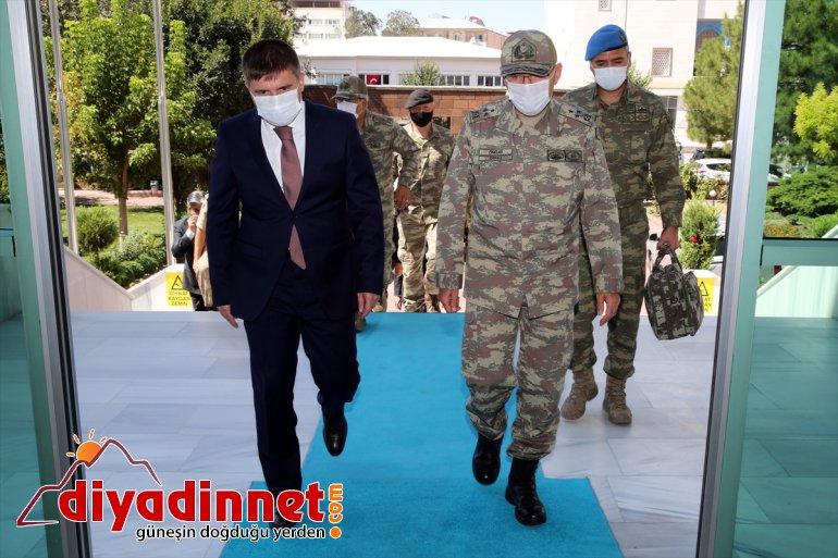 Korgeneral Şeref Ordu Komutanı Öngay Valiliğini Iğdır ziyaret etti 3. 2