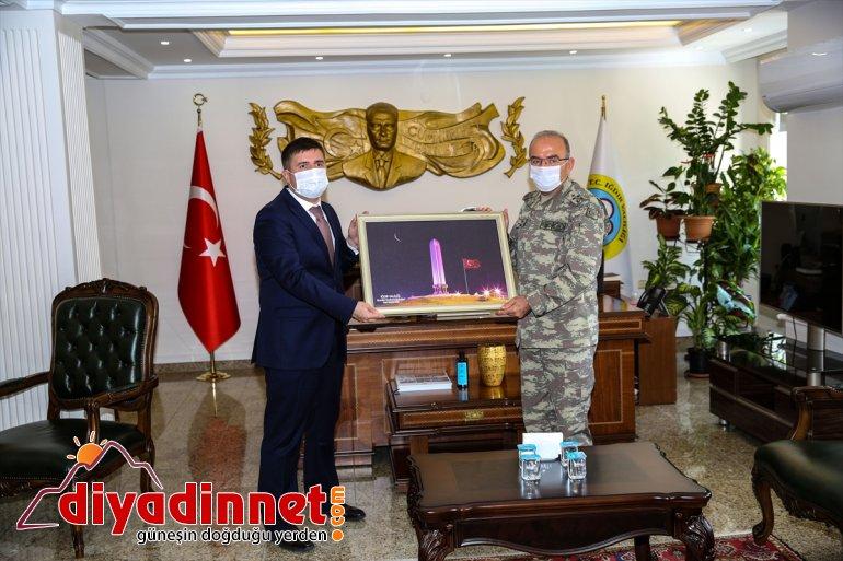 Ordu Öngay Şeref Iğdır Valiliğini etti ziyaret Korgeneral 3. Komutanı 5