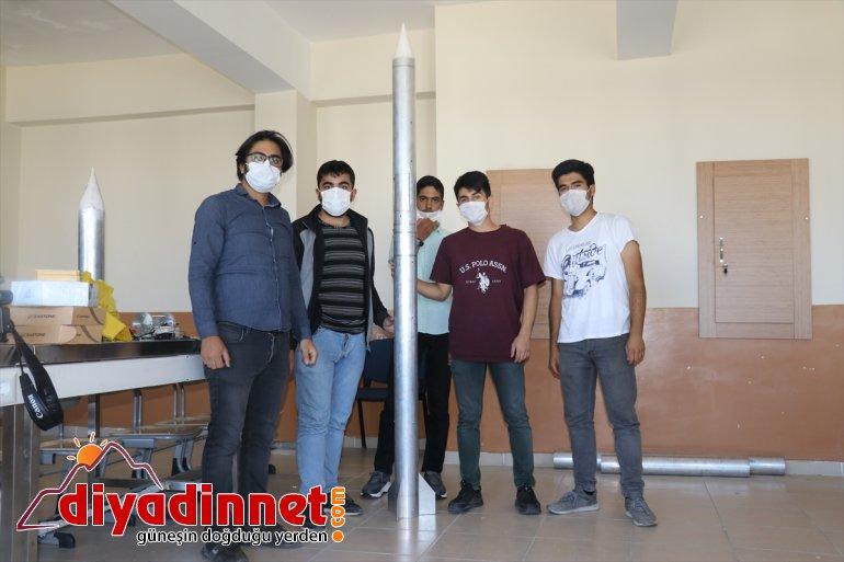 Ağrılı lise öğrencileri tasarladıkları roketle TEKNOFEST'e hazırlanıyor