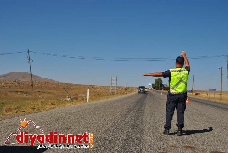 Kars'ta trafik kurallarına uymayan 87 araca 37 bin 493 lira para cezası kesildi