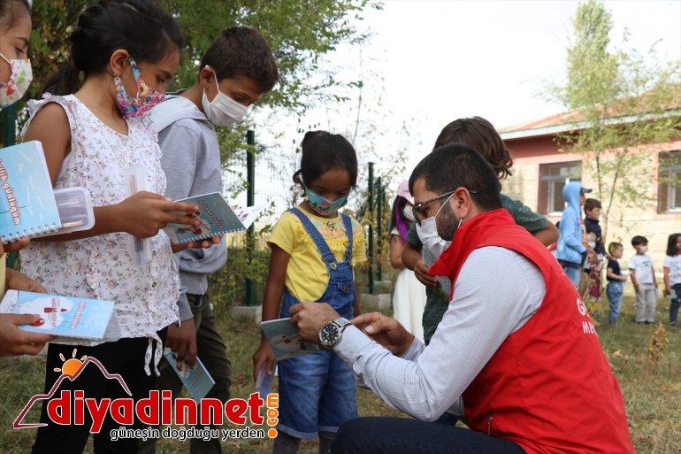 çocuklarına sürprizi köy eğitime gönüllülerden Ağrı'da başlayan konser yüz yüze 2