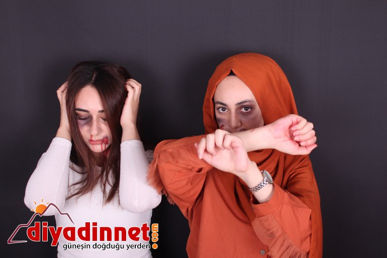 Yaptıkları makyaj ile şiddet gören kadınların seslerini duyurmaya çalışıyorlar4