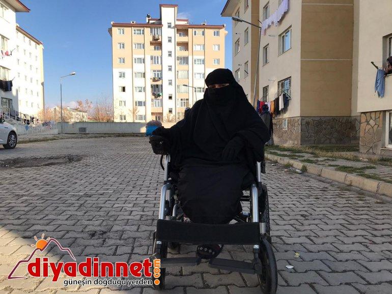 Cam kemik hastası kadın, akülü sandalyesine kavuştu