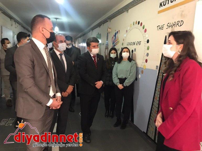 Ağrı Milli Eğitim Müdürü Tekin Patnos ilçesindeki dil sokaklarının açılışlarını gerçekleştirdi7