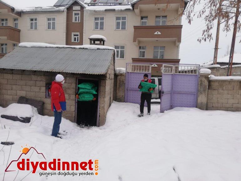 Türk Kızılay Ağrı Kömür Para Yardımı1