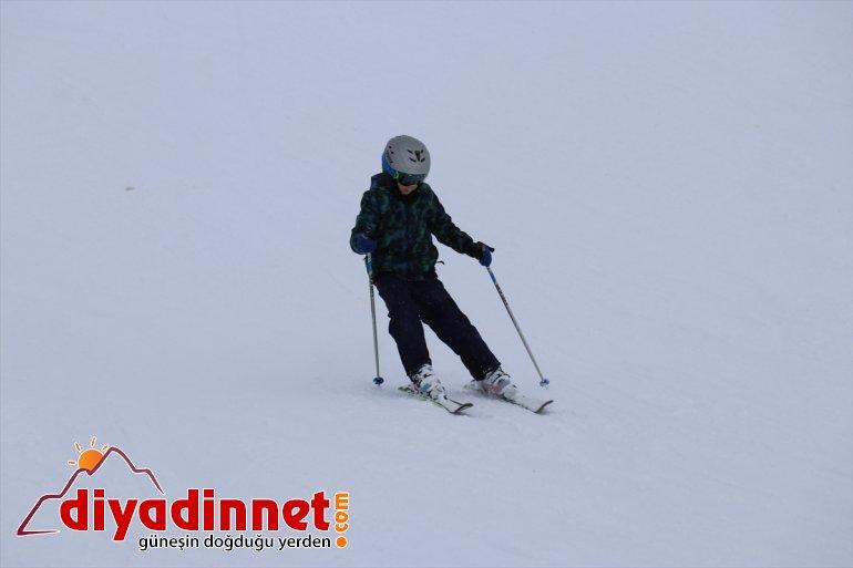 Kayak keyfi kayak yaşanıyor Ağrı'daki hafta sonu Merkezi'nde Küpkıran 13