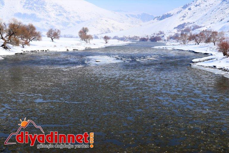 Murat akan yüzeyinde Nehri'nin şölen buzlar görsel sundu 1
