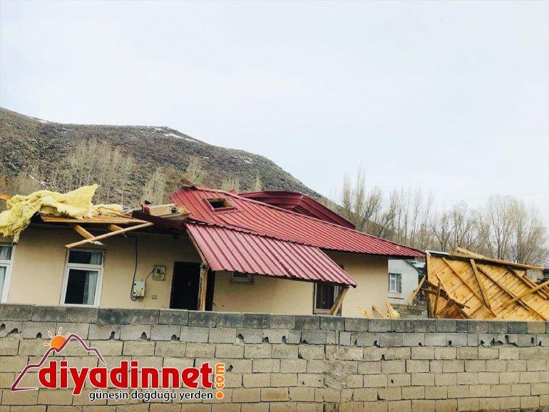 evlerin köydeki AĞRI fırtına uçurdu - Şiddetli çatılarını 2