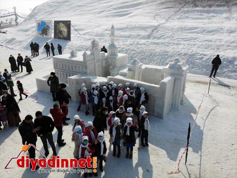 heykeller gördü Ağrı'daki kardan '1. Buz gösterisi Kar milli ilgi ve Festivali'nde kayakçıların ile 1