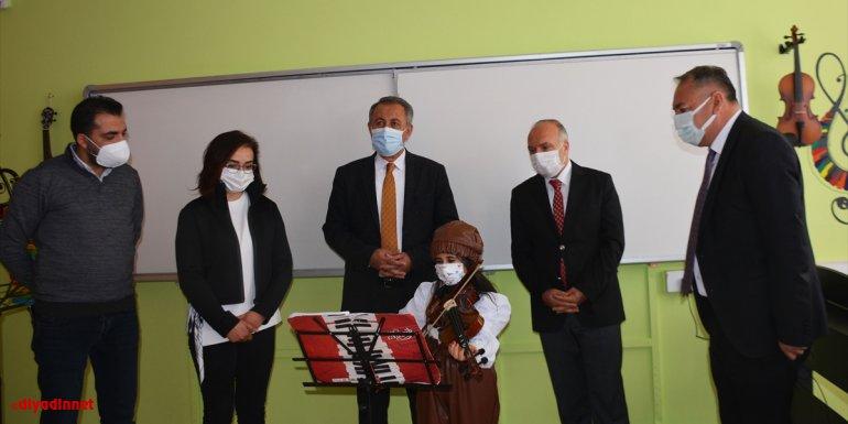 Bitlis Milli Eğitim Müdürü Korkmaz'dan KAHEV gönüllülerine teşekkür