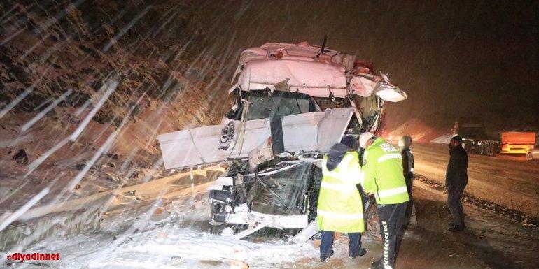 Erzincan'daki trafik kazalarında 7 kişi yaralandı